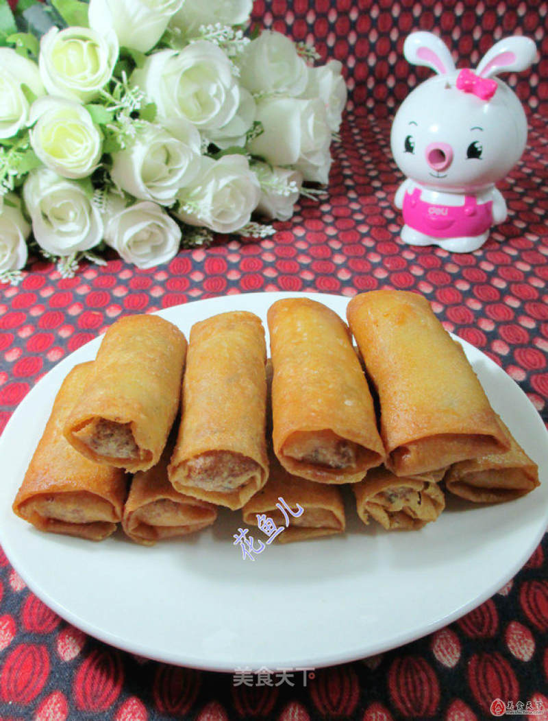 Spring roll stuffed with sesame cake